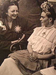 suckmyfun: Girl Power! Rosa Rolanda y Frida Kahlo, 1940 <3