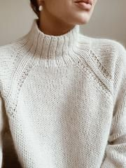 Sweater No. 9 is a heavy knit sweater with classic raglan sleeves and a high neck. A chunky and elegant style with lovely details. The sweater is cut for a comfy loose fit and shapes itself beautifully on all shapes and sizes. Sweater Knitting Patterns, Knitting Stitches, Knit Patterns, Sewing Patterns, Knitting Sweaters, Vogue Knitting, Knit Fashion, Fashion Fashion, Latex Fashion
