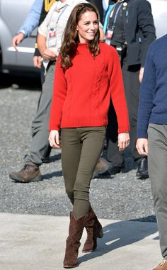 Kate Middleton from The Big Picture: Today's Hot Pics  Girl next door! The royal looks casual cool whilevisiting Haida Gwaii in British Columbia, Canada.