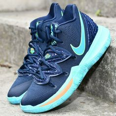 Nike Kyrie 5 UFO Obsidian/Light Current Green Basketball Shoes NIB Source by shoes Kyrie Irving Basketball Shoes, Green Basketball Shoes, Kyrie Irving Shoes, Basketball Sneakers, Basketball Cookies, Basketball Videos, Basketball Posters, Basketball Quotes, Basketball Art