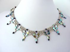 TILA NETTING Necklace - FREE Pattern. Page 1/2. From beaddiagrams.com.