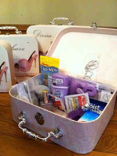 Bridesmaids survival Kits :  wedding bridesmaids gift kit survival IMG 1595