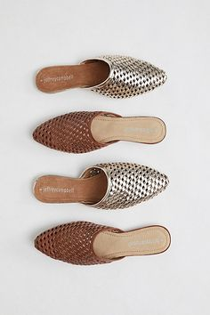 Two Times Woven Flat