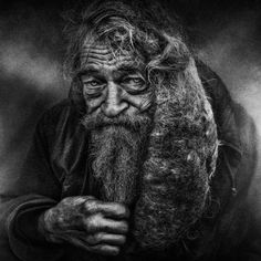 Haunting Black and White Portraits of Homeless People by Lee Jeffries Lee Jeffries, Homeless People, Homeless Man, Black And White Portraits, Black And White Photography, Henri Cartier Bresson, Old Faces, Desenho Tattoo, Interesting Faces
