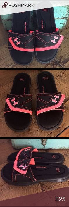 Under Armour Slides Size 8. Like new condition. All photos show what great shape they are and super clean too! Worn a few times is all. Coral and black color. 4D-Foam Under Armour Shoes Sandals