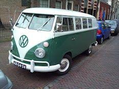 Volkswagen busje, gezien in centrum Leiden paar weken geleden.