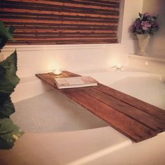 Sometimes, very simple ideas are the best ones. Julie77 has made this bathtub tray with 3 upcycled pallet planks. The planks were sanded and varnished and then simply used as a tray for her bathtub. Nice, simple and cool, everyone can do it :)   #Bathroom, #RecycledPallet