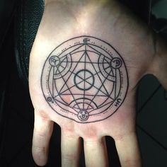 Fullmetal Alchemist… more like FEELmetal Alchemist… Anyways… Here are 10 really cool FMA tattoos that are sure to put you in a better mood even after watching Nina-dog getting blown into pieces. Hand Tattoos, Circle Tattoos, Body Art Tattoos, Cool Tattoos, Arrow Tattoos, Small Tattoos, Tatoos, Diy Tattoo, Get A Tattoo