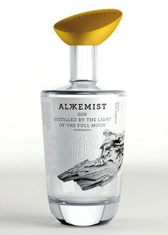 Series Nemo - Alkkemist Gin -World Packaging Design Society / 世界包裝設計社會 / Sociedad Mundial de Diseño de Empaques Premium Gin, Alcohol Bottles, Liquor Bottles, Vodka, Beverage Packaging, Bottle Packaging, O Gin, Champagne, Jars