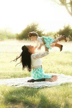 Parte 2 – Tal mãe, tal filha   20 Imagens mostrando o amor de mães e suas pequenas cópias