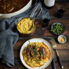 osso bucco with risotto milanese Crunchie Recipes, Risotto Milanese, Chocolate Fondant, Chocolate Pies, Roasted Cabbage, Fish Pie, Caramelized Onions, Cream Recipes, Gourmet Recipes