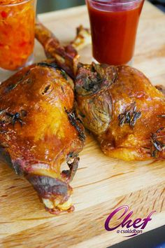 liba sült Meat Recipes, Cooking Recipes, Poultry, Bacon, Food And Drink, Turkey, Dishes, Desk, Red Peppers