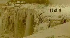 AMAZING!! ~ [Niagra Falls frozen in 1911. Very rare photo.]