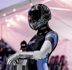 Bobsleigh, Armored Truck, Beautiful Athletes, Winter Games, Educational Websites, Sport Man, Catsuit, Scuba Diving, Helmets