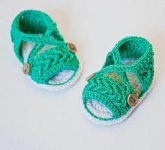 Babyschuhe häkeln – 100 wunderschöne Ideen!