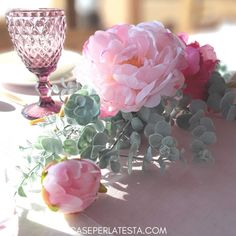 How to decorate spring table with fresh flowers Spring Home Decor, Easter Table, Flower Crafts, Diy Party, Fresh Flowers, Floral Wedding, Party Time, Diy Projects, Crafty