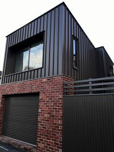 Brick Cladding, House Cladding, Brick Facade, Facade House, Townhouse Exterior, A Frame House Plans, Modern Small House Design, African House, Dream House Exterior