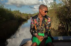 Pharrell Williams photographed by Gillian Laub Pharrell Williams, Sharp Dressed Man, Well Dressed Men, Versace Men, Its A Mans World, Streetwear Fashion, Gq, Dapper, Beautiful Men