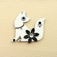 Bielo čierna líštička Brooch, Jewelry, Fashion, Moda, Jewlery, Jewerly, Fashion Styles, Brooches, Schmuck
