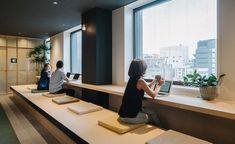 Airbnb's open new Tokyo office Japan. Airbnb starts the rent apartment service business and they expand their office too. Interior designer and architect Suppose Design Office based from Japa… Suppose Design Office, Office Space Design, Modern Office Design, Workplace Design, Office Interior Design, Home Office Decor, Office Designs, Office Ideas, Office Furniture
