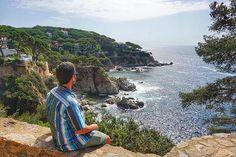 Este fin de semana he estado en #Bcntb5 redescubriendo #LloretdeMar una localidad que visité en la excursión de 8º de EGB en el año 1996. En primer lugar GRACIAS a toda la comisión organizadora por un fin de semana espectacular.  Lo que más me ha gustado de la zona han sido los #caminosdeRonda más de 130 kms de senderos que van bordeando la #CostaBrava.  Hay tramos con espectaculares vistas al Mar Mediterráneo como el que hicimos nosotros entre Lloret de Mar y #TossadeMar. También…