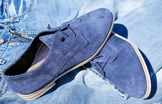 How to Clean Suede Shoes at Home with Vinegar - Get Rid of Salt Stains Fast and on the Cheap Clean Suede Shoes, How To Clean Suede, Deep Cleaning Tips, Cleaning Hacks, Grease Stains, Keep Jewelry, Fun To Be One, Skechers, Trendy Outfits