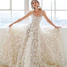 Perfection #GaliaLahav #vakkowedding #bridal Diy Wedding Dress, Best Wedding Dresses, Backless Wedding, Lace Applique, Wedding Events, Wedding Ideas, Diy Fashion, Bridal Gowns, Ball Gowns