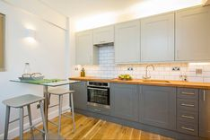 Кухонный гарнитур в один ряд