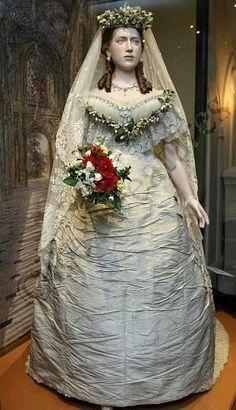 Princess Alexandra of Denmark's wedding dress 1863