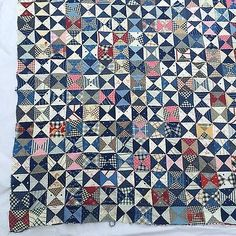 Man Quilt, Antique Quilts, Projects To Try, Blanket, Hourglass, Triangles, Antiques, Quilting, Sew