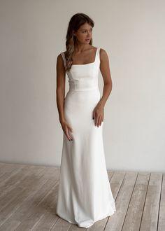 Beautiful Dresses, Nice Dresses, Deb Dresses, Formal Dresses, Top Wedding Dresses, Crepe Wedding Dress, Wedding Dress Over 40, Relaxed Wedding Dress, Simple Elegant Wedding Dress