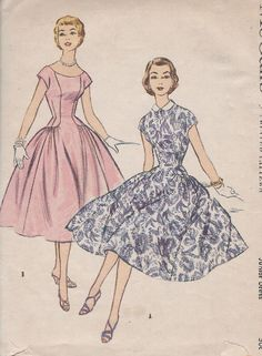 Retro Sewing McCall's 3046 Junior Misses Dinner/Daytime Dress The darted bodice of dress with panel front may be worn with Peter Pan collar as in ViewA or with low scoop neckline ViewB.Cap sleeves are cut in one with side front Vintage Dress Patterns, Clothing Patterns, Vintage Dresses, Vintage Outfits, 1950s Dresses, Vintage Costumes, Moda Vintage, Vintage Vogue, 1950s Fashion
