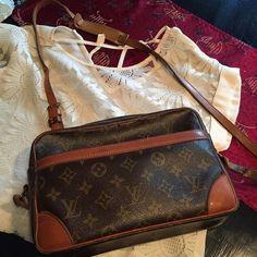 Louis Vuitton handbag Louis  Vuitton vintage crossbody handbag Louis Vuitton Bags Crossbody Bags