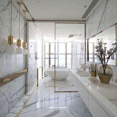 Modern Luxury Interior Design Ideas for Your Home Interior Design Ideas to Bring Luxury and Opulence Into Your House Modern Luxury Interior Design Ideas. Modern Luxury Bathroom, Glamorous Bathroom, Bathroom Design Luxury, Luxury Interior Design, Beautiful Bathrooms, Luxury Bathrooms, Modern Shower, Bath Design, Gold Interior