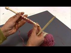 Scandinavian knitting (video in Finnish) Norwegian Style, Norwegian Knitting, Textiles, Seed Stitch, Knitting Videos, Create And Craft, Knit Patterns, Handicraft, Embroidery Stitches