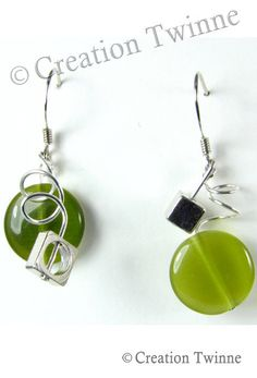 Unique wedding jewelry,funky and cool jewelry design by creationtwinne Prom Earrings, Funky Earrings, Funky Jewelry, Green Earrings, Bridesmaid Earrings, How To Make Earrings, Bead Earrings, Handmade Jewelry, Bridesmaids