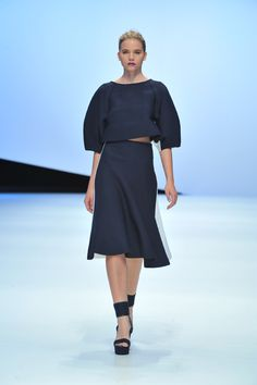 Hanae Mori by Yu Amatsu - Spring 2015 Hanae Mori, Holly Fulton, Spring 2015, Ready To Wear, Fashion Accessories, Cold Shoulder Dress, Women Wear, High Neck Dress, Dresses For Work