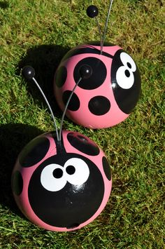 love it!! bowling balls can make great garden buddies- whatever you can dream up!