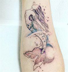 50 Beautiful Mermaid Tattoo Ideas You Need To Try - Page 36 of 50 - Chic Hostess. - 50 Beautiful Mermaid Tattoo Ideas You Need To Try – Page 36 of 50 – Chic Hostess – Beautiful - Bild Tattoos, Neue Tattoos, Body Art Tattoos, Forearm Tattoos, Piercing Tattoo, Watercolor Mermaid Tattoo, Tattoo Mermaid, Tattoo Minimaliste, Mermaid Tattoo Designs