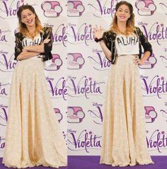 "Martina Stoessel. T-shirt of ""Che Mona"" by Candela Vetrano."