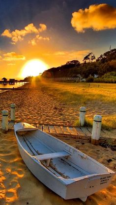 //Boat and Sunset ~ Beautiful place Beach Sea and Sand ~ Beautiful Sunrise, Beautiful Beaches, Beautiful Morning, Nature Pictures, Beautiful Pictures, Landscape Photography, Nature Photography, Beach Scenes, Belle Photo