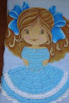 Pintura em tecido e crochê - Boneca elegante! | Flickr – Compartilhamento de fotos!