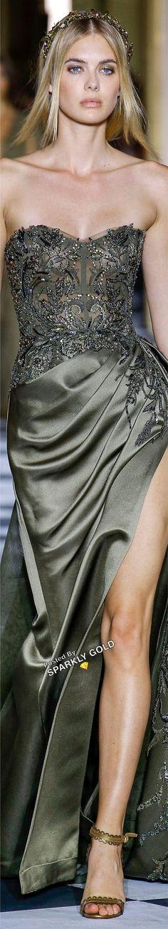 Couture Fashion, Runway Fashion, Fashion Show, Fashion Fashion, Zuhair Murad, Green Fashion, Nice Dresses, Long Dresses, Amazing Dresses