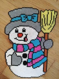 Pearler Bead Patterns, Perler Patterns, Plastic Canvas Ornaments, Plastic Canvas Patterns, Xmas Cross Stitch, Cross Stitch Patterns, Pixel Art Noel, Christmas Perler Beads, Hama Beads Design