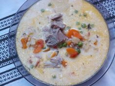 Erdélyi csorba Cheeseburger Chowder, Hummus, Ethnic Recipes, Food, Essen, Yemek, Meals