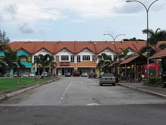 Kuala Selangor's taxi stand (right) - http://malaysiamegatravel.com/kuala-selangors-taxi-stand-right/