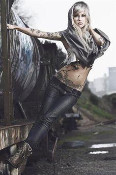 SARA :: Inked Girls :: Tattooed Girls Model Search