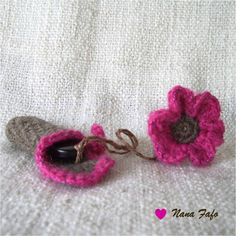 Porte-clé-usb-fleur-rose-03 Tutorial ✿ƬⱤღ http://www.pinterest.com/teretegui/✿