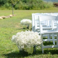 Huge tubs of baby's breath to decorate the aisle for today's #wedding ceremony @rusticacresfarm #weddingflowers