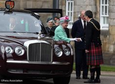 Ceremony of the Keys at the Palace of Holyroodhouse on the 1st day of #QueeninScotland